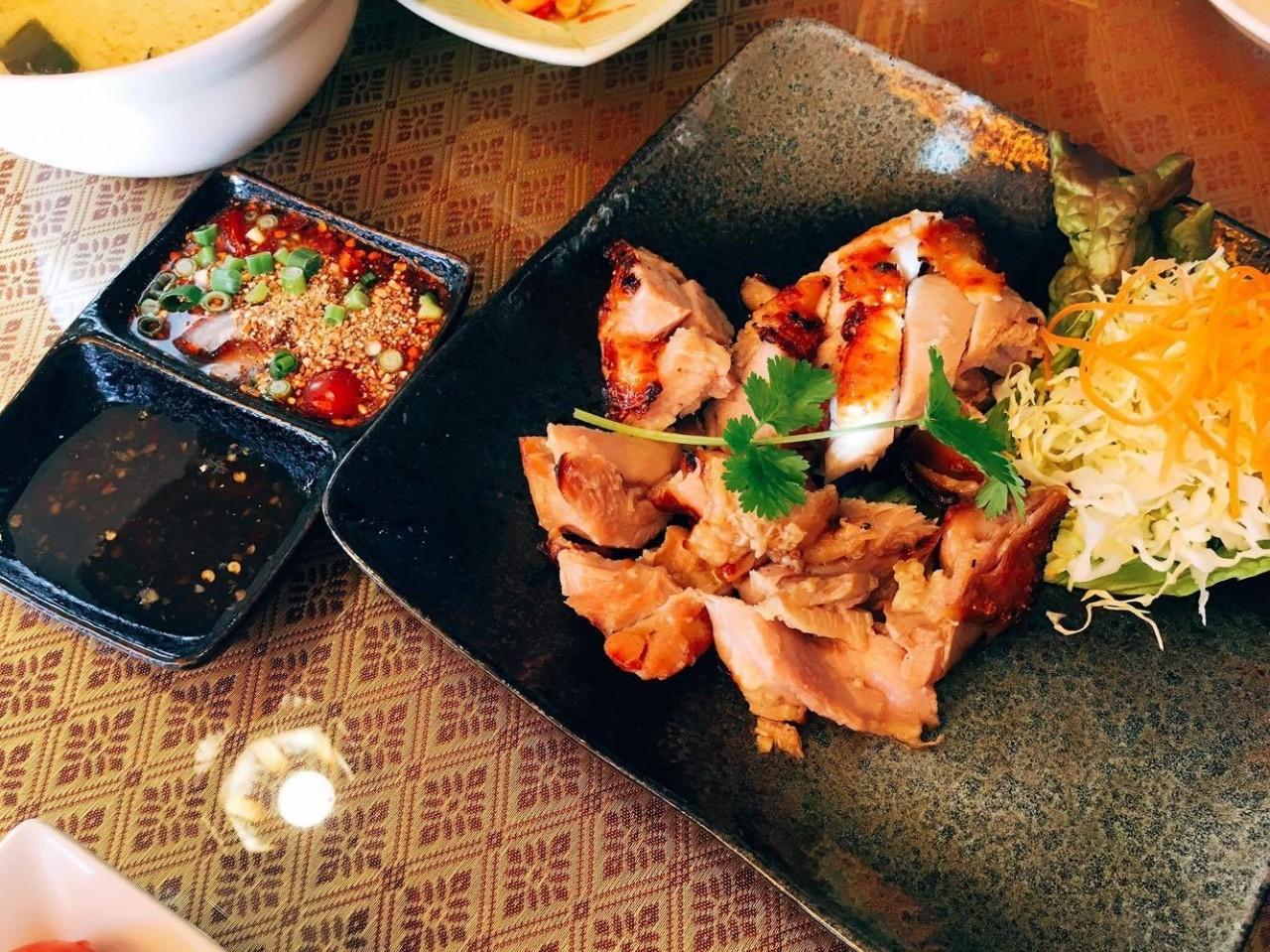 พฤติกรรมฮาๆ เมื่อพาเพื่อนญี่ปุ่นไปกินอาหารไทย