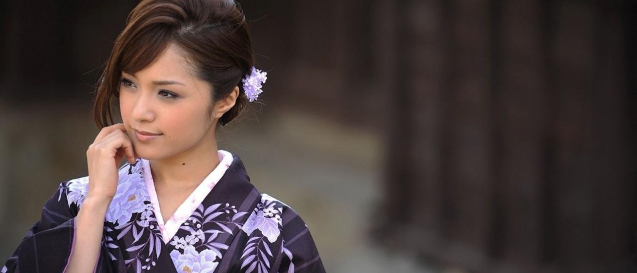 """ความเป็นกุลสตรีญี่ปุ่นกับดอกไม้มากความหมาย """"นาเดะชิโกะ"""""""