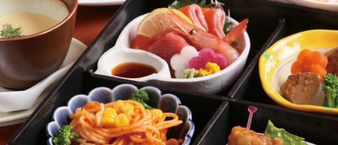 ของกินน่าอร่อยของญี่ปุ่นในฤดูใบไม้ร่วง ฤดูกาลแห่งของอร่อย